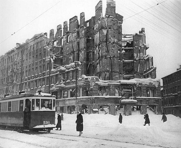 Стихотворение «Ленинградское время». Ульяна Опалева.